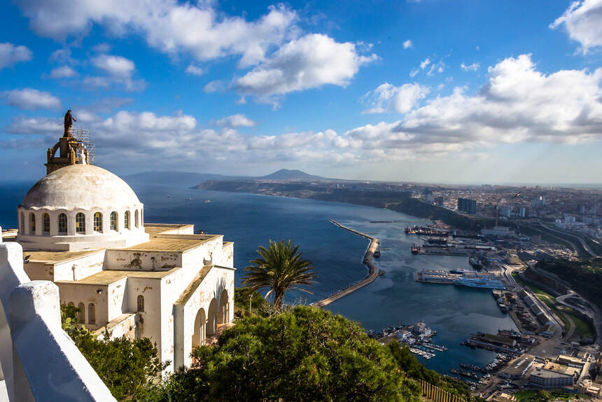 Direct round-trip flights from Nantes to Oran, ALGERIA for 64 €