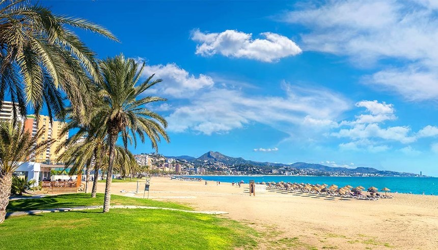 Round-trip flights from Bordeaux to Malaga, SPAIN for 16 €
