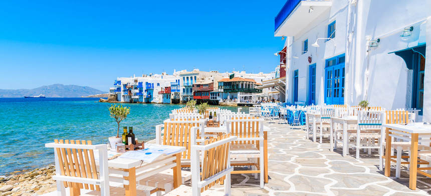SUMMER ! Direct round-trip flights from Rome to Mykonos for just 56 €