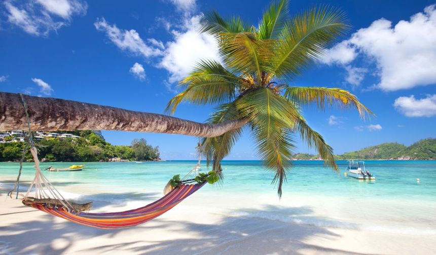 Round-trip flights from Riga to SEYCHELLES for 448 €