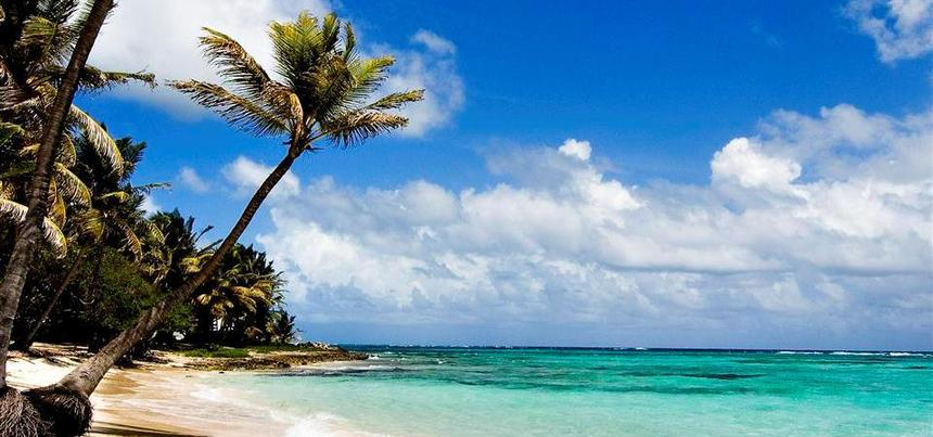 Return flights from Prague to Mombasa, Kenya for just 378 €