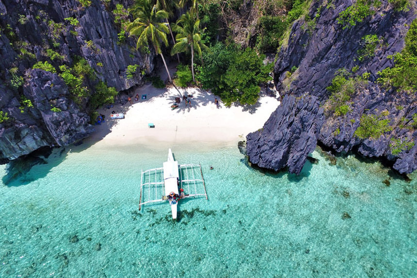 Return flights from Frankfurt to Manila, Philippines for only 389 €