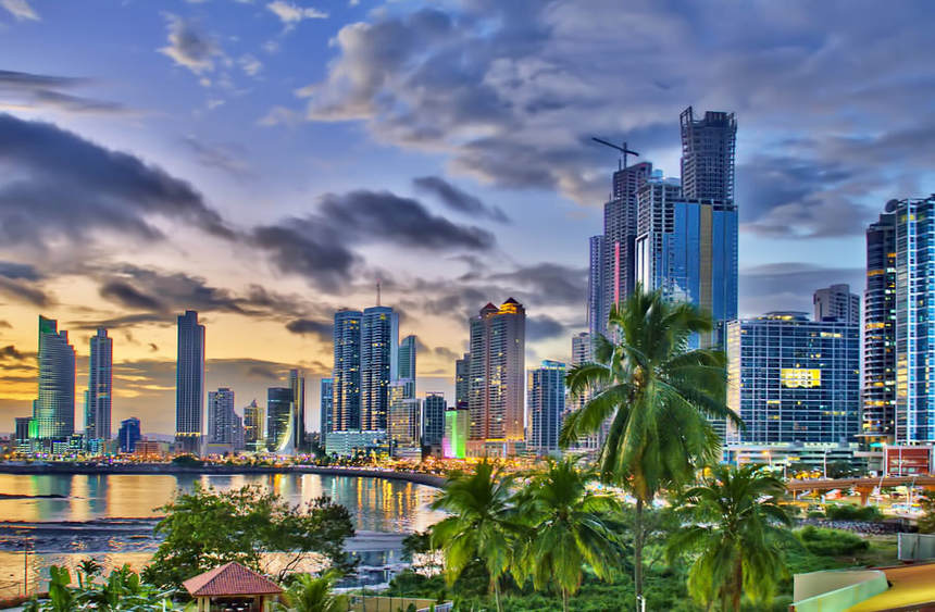 Return flights from Lisbon to Panama for just 342 €