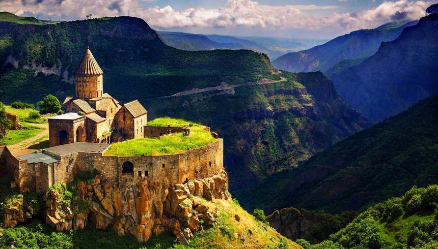 Direct round-trip flights from Milan to ARMENIA for just 42 €