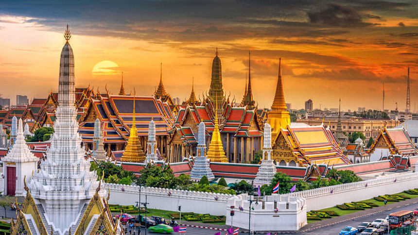 Round-trip flights from Paris to Bangkok on sale from 241 €
