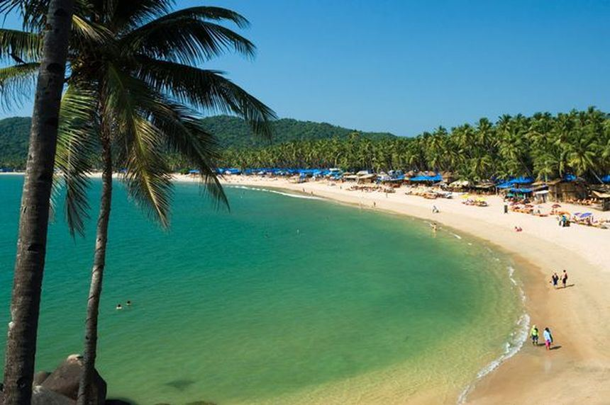 Direct return flights from Manchester to Goa for just 337 £ / 380 €