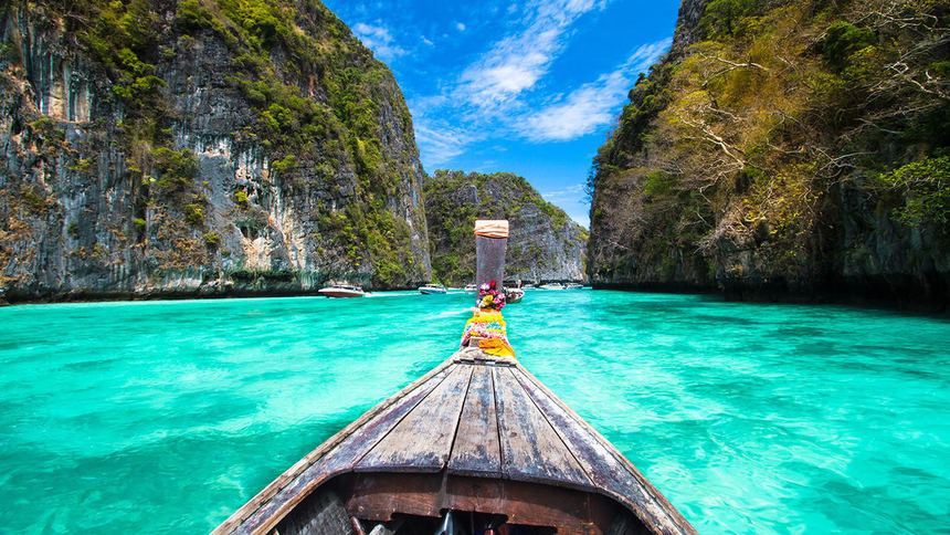 Direct return flight from London to Krabi for just 276 £ / 317 €
