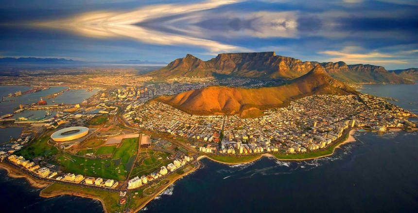 Round-trip flights from Faro to Cape Town, SOUTH AFRICA for 356 €