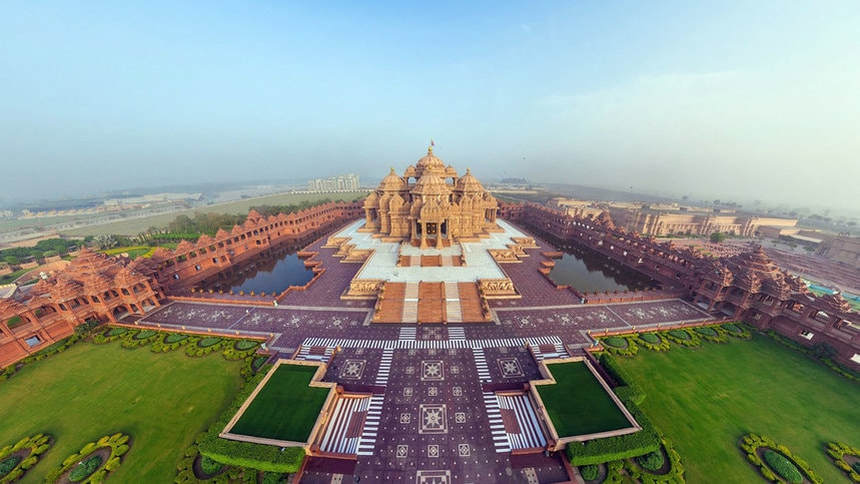 XMAS & NYE ! Return flights from Vilnius to Delhi for just 386 € !