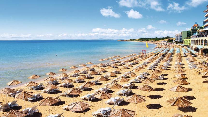 EASTER ! Round-trip flight from Bratislava to Burgas, Bulgaria for 30 €