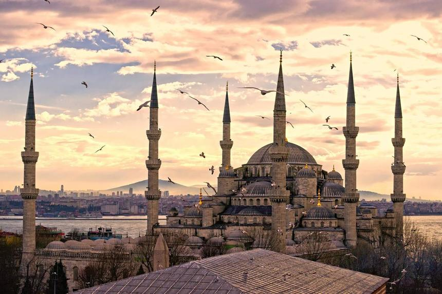 Round-trip flights from Kyev to Istanbul for just 37 €