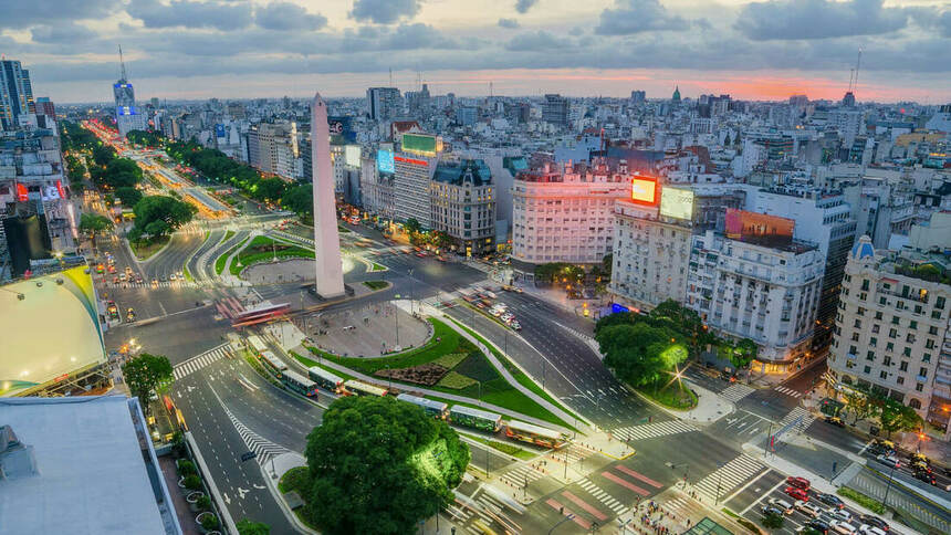 Round-trip flights from Bordeaux to Buenos Aires, ARGENTINA for 464 €
