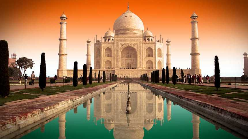 Return flights from London to Delhi for just 283 £