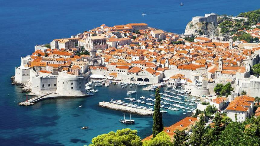 Summer return flights from Amsterdam to Dubrovnik for just 48 € ( Min 2 Pax )