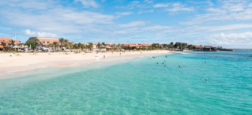 Direct return flights from Birmingham to Sal, Cape Verde for just 143 £ / 162 €