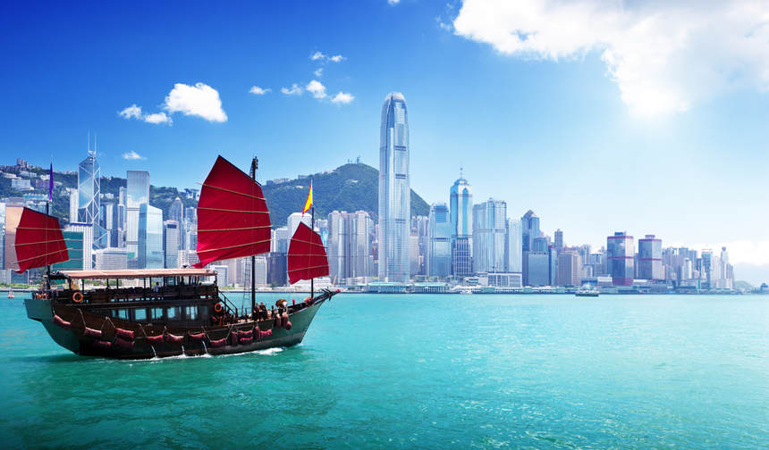 Round-trip flights from Amsterdam to Hong Kong for just 310 €
