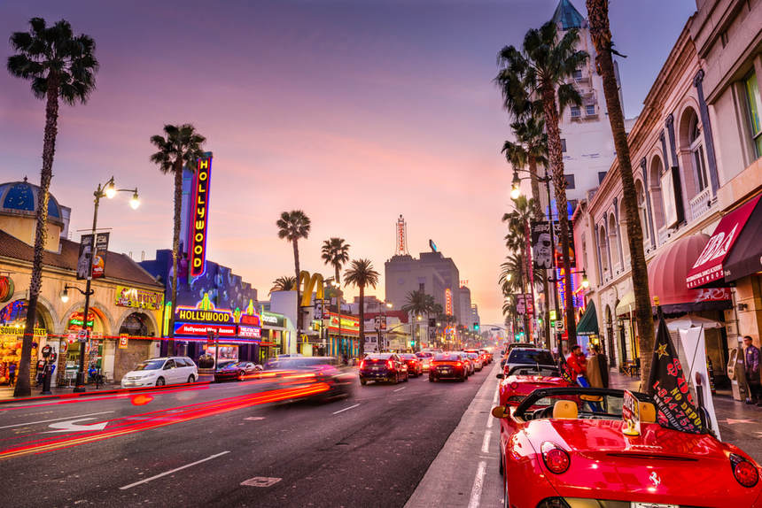 Round-trip flights from Prague to Los Angeles, USA for just 285 €