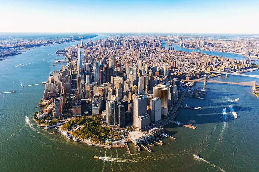 Round-trip flights from Moscow to New York on sale from 283 €