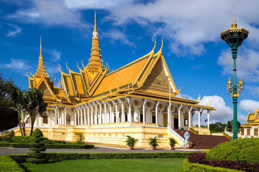 Round-trip flights from Amsterdam to CAMBODIA on sale from 360 €