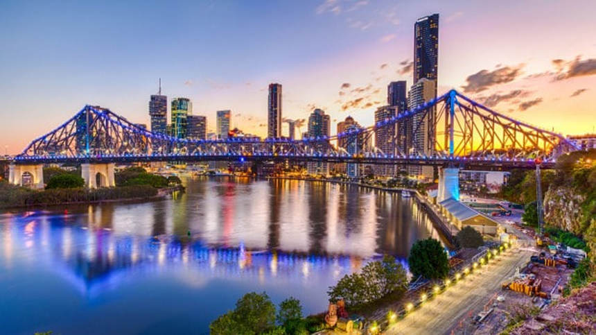 Return flights from London to Brisbane, Australia for only 462 £ / 527 €