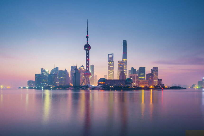 Round-trip flights from Kyiv to Shanghai, CHINA for 305 €
