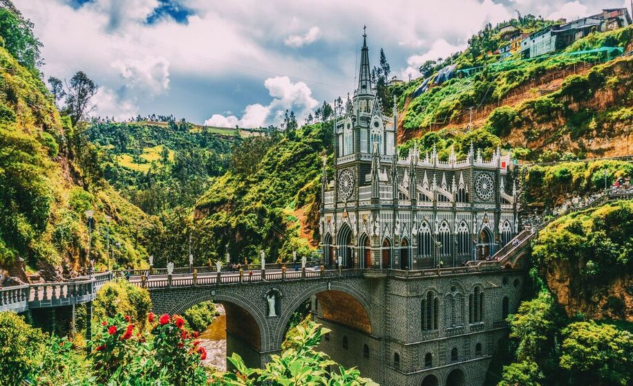 Round-trip flights from Warsaw to Bogotà, COLOMBIA for 371 € with TURKISH AIRLINES !