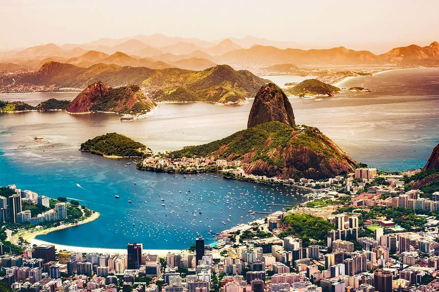 Round-trip flights from Milan to Rio de Janeiro, Brazil for 403 € ( Carnival too )
