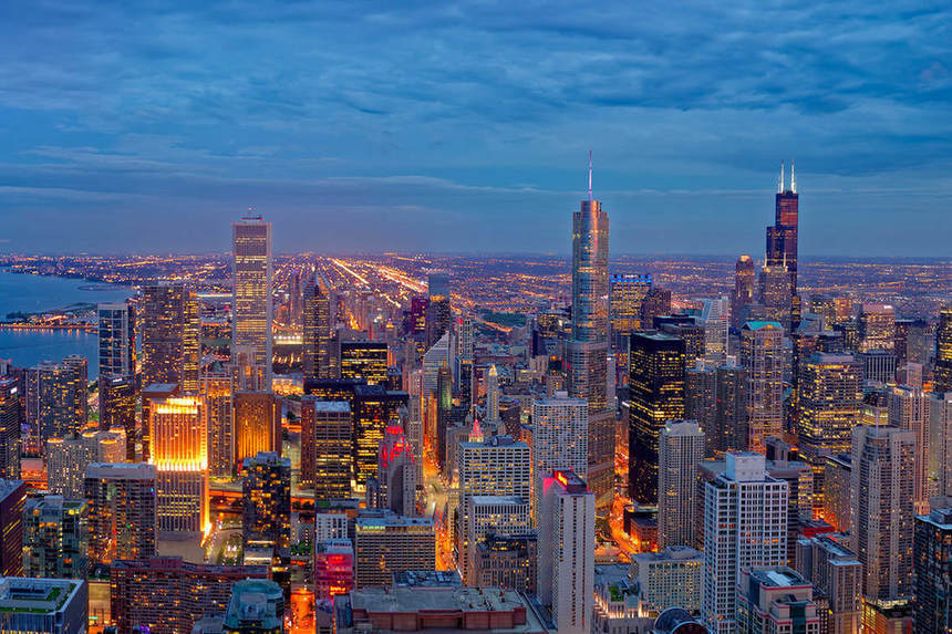 NYE in Chicago ! Direct round-trip flights from Reykjavik for just 172 €