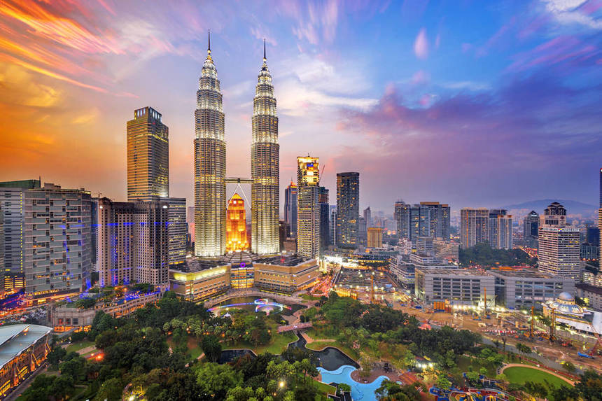 Return flights from London to Kuala Lumpur from just 344 £