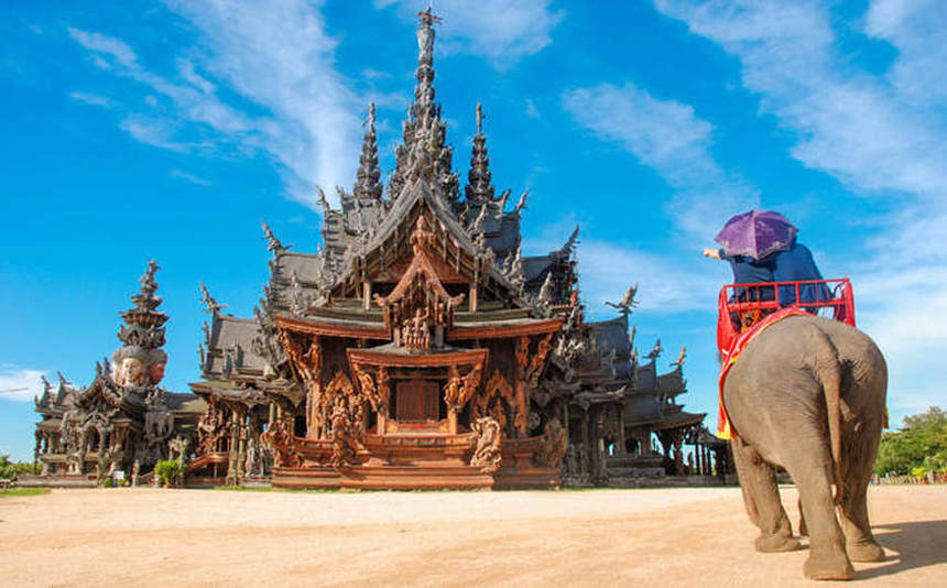 Summer return flights from Budapest to Pattaya, Thailand for just 387 €